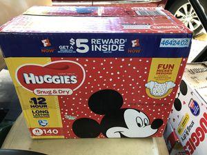 Huggies Diapers for Newborns/ Caja de pamper Huggies para recién nacido for Sale in Miami, FL
