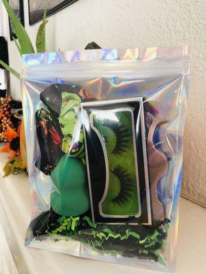 Lash bundle on sale for Sale in Long Beach, CA