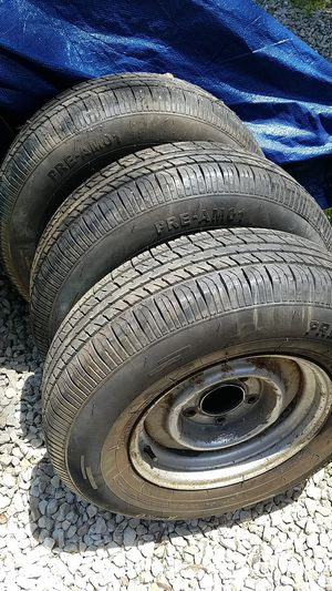 3 matching 225/75R15 tires for Sale in Hillsboro, MO