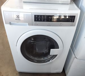 """New Electrolux Washer 24"""" Wide for Sale in Whittier, CA"""