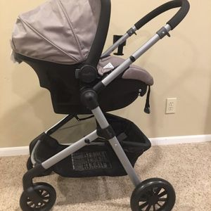 Evenflo Pivot Travel System for Sale in Highland, CA