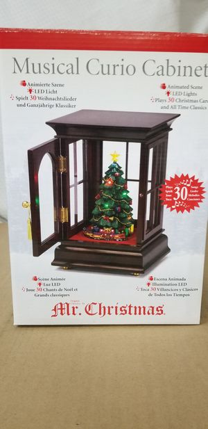 MR. CHRISTMAS LIGHTED MUSICAL CURIO CABINET W/ CHRISTMAS TREE for Sale in San Ramon, CA