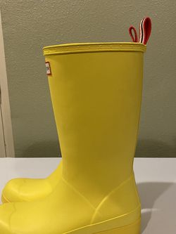 Hunter Yellow Rain Boots for Sale in Vancouver,  WA