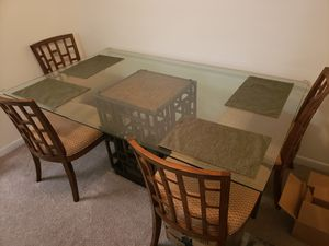 Dining Table & 4 Chairs for Sale in Coral Springs, FL