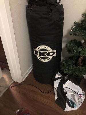 TKO TOTAL KNOCKOUT PUNCHING BAG for Sale in Yorba Linda, CA