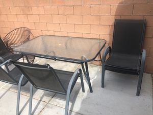 Patio furniture. Table and 6 chairs for Sale in Las Vegas, NV