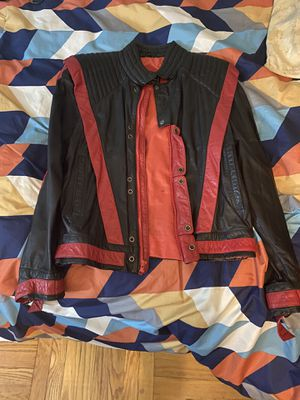 Vintage Reverse Thriller Leather Jacket (size 40) for Sale in Queens, NY