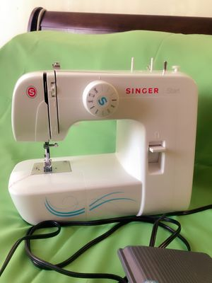 Singer sewing machine for Sale in Silver Spring, MD