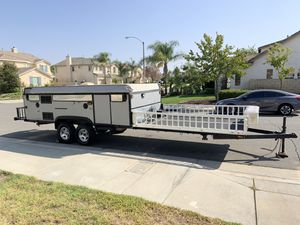2009 Fleetwood evo 4 Extreme pop up/ toy hauler for Sale in Riverside, CA