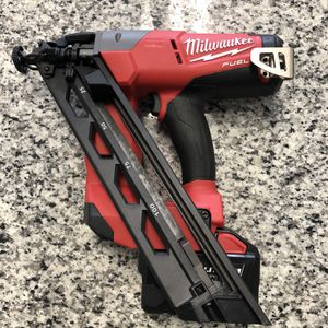 * Milwaukee M18 FUEL 2743-20 Brushless 15-Gauge Angled Finish Nailer w/ M18 HIGH DEMAND 9.0#16804-1 for Sale in Revere, MA