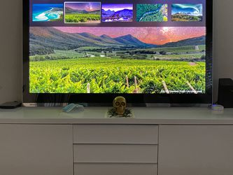 60 Inch Sharp Aquos Tv for Sale in Happy Valley,  OR