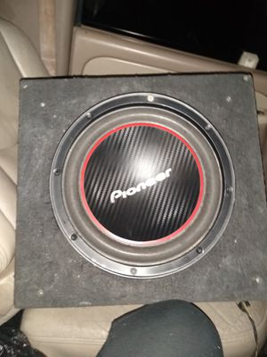 """10"""" Pioneer subwoofer w/ 2000 watts Boss amp for Sale in Dallas, TX"""