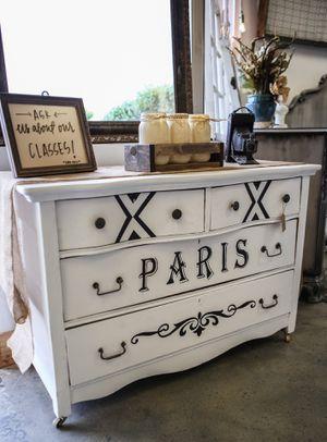Vintage dresser for Sale in Phoenix, AZ