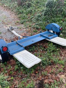 Heavy Duty Tow Dolly for Sale in Des Moines,  WA