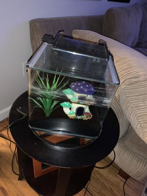 3gallon Glowfish fish tank with lights for Sale in Richboro, PA