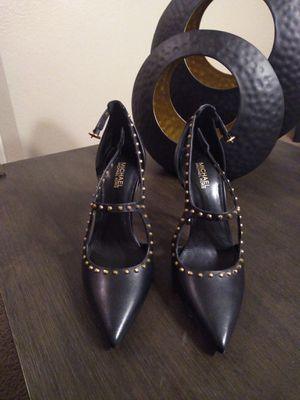 NEW Michael Kors Leather Pumps Size 5 for Sale in Las Vegas, NV