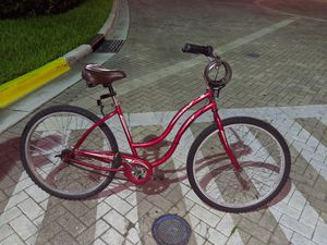 A woman's beach cruiser, new tires, great bike! for Sale in HALNDLE BCH, FL