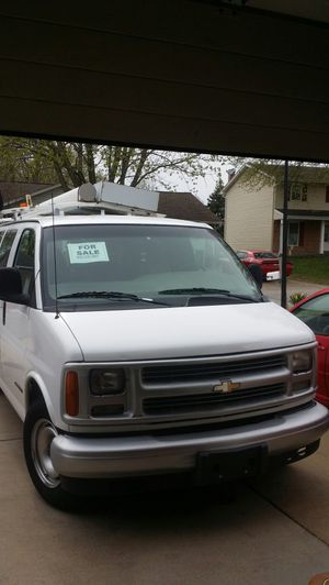 2000 chevrolet express 2500 for Sale in St. Peters, MO