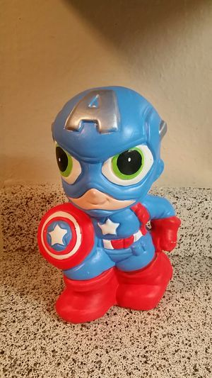 $5 Captain America piggy bank for Sale in Houston, TX