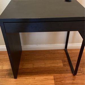 Kids Small Black Desk for Sale in Diamond Bar, CA
