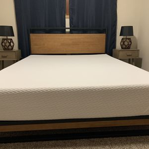 Queen Tuft&Needle Mattress W/Bed Frame for Sale in Vancouver, WA