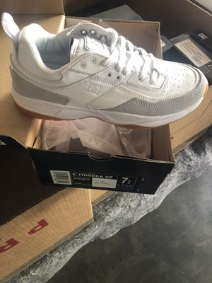 Dc size 7 for Sale in Garden Grove, CA