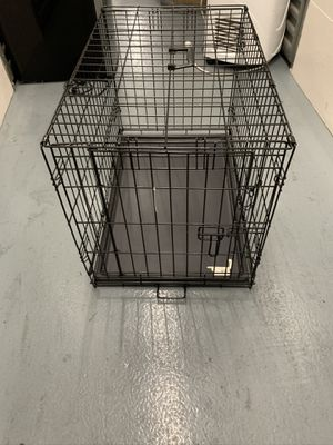 """Dog crate 36""""x24"""" for Sale in Los Angeles, CA"""