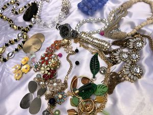 (Lightly-Used) Jewelry & Accessories for Sale in Marrero, LA
