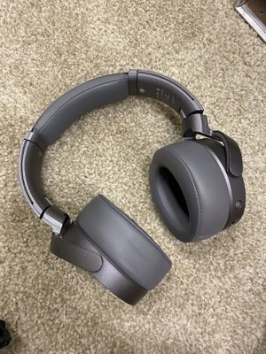 Noise Cancelling Headphones for Sale in Denver, CO