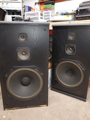 Marantz vintage floor speakers for Sale in Brentwood, PA