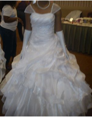 White debutante gown for Sale in Tallahassee, FL