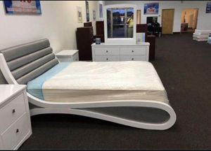 Queen Size Bed with Dresser, Mirror, and Nightstand. $53 Down. financing available. 786📞322📞6411 for Sale in Hialeah, FL