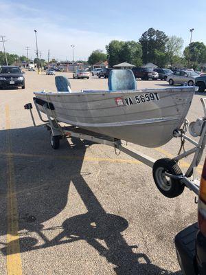 14' V Bottom Jon Boat for Sale in Colonial Heights, VA