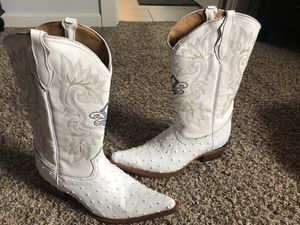 Genuine leather ostrich print 2x toe boots-white for Sale in Gladstone, OR
