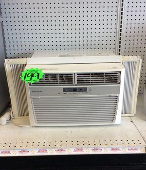 Frigidaire Window AC Unit- 6000BTU for Sale in Houston, TX