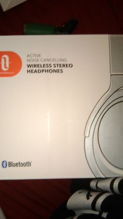Taotronics Active Noise Cancelling wireless stereo headphones Bluetooth for Sale in Clackamas,  OR