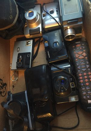 Box of Camera s for Sale in House Springs, MO