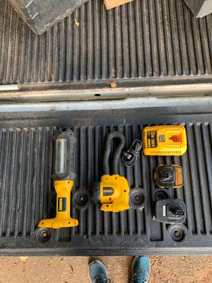 DeWalt 18 volt Lights, Battery, 20 volt Adapter, and Rapid Charger for Sale in Whitehouse, TX