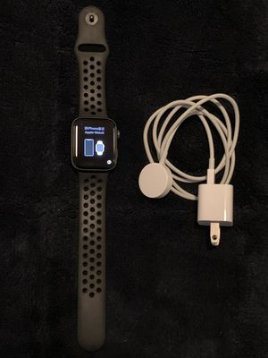 Apple Watch Nike+ Series 4 GPS + Cellular Unlocked 44mm Space Gray Aluminum Case with Anthracite/Black Nike Sport Band for Sale in Doral, FL