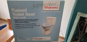 Raised toilet seat with lock for Sale in Payson, AZ