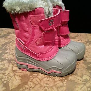 Campri Snow proof Boots Size C6 for Sale in Shelton, CT