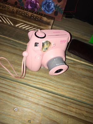 Mini pink camera for Sale in Newport, AR