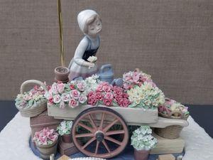 "Lladro Figurine #1454 ""FLOWERS OF THE SEASON"" for Sale in Artesia, CA"