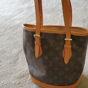 Authentic Louis Vuitton Bucket Bag for Sale in Nellis Air Force Base, NV