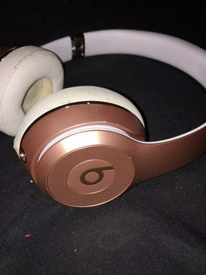 Beats Solo Wireless Rosegold for Sale in Seminole, FL