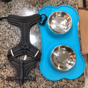 Puppy 🐶 Bundle Slightly Used Food & Water Bowl In Holder & Small Harness for Sale in Burlington, NJ