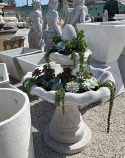 Concrete Water Fountain / Cement Backyard Garden Patio Outdoor Fountains for Sale in Miami,  FL