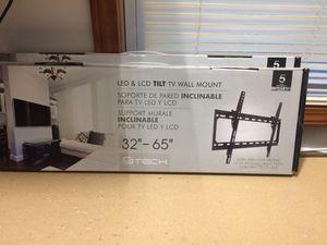 LED & LCD 32in - 65in Tilt TV Wall Mount for Sale in Milton, FL