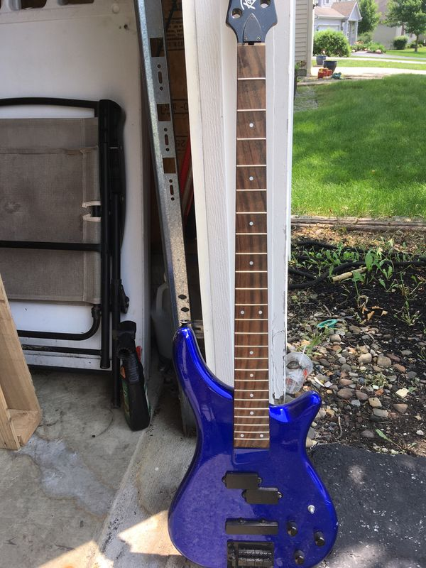 blue rogue 5 string bass 12 books shure x2u guitar tuner pick up for sale in grove city oh. Black Bedroom Furniture Sets. Home Design Ideas