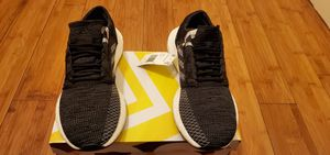 Adidas Boost size 9.5 for women fits size 8 in Men for Sale in Paramount, CA